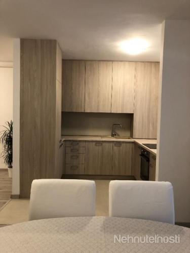 Reality Prenájom pekný 2 izbový byt, novo prerobený, Terasa 19 m2, garáž, Kramáre, Nové Mesto, BA II