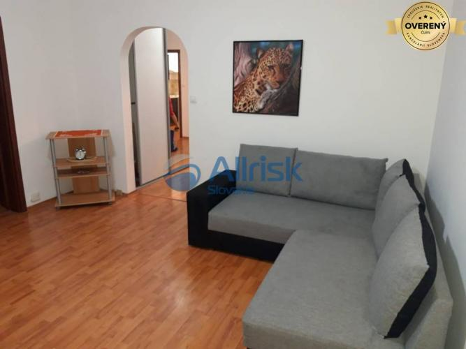 Reality Priestranný 3 izbový byt s 2-mi lodžiami, Rovniankova ul., Petržalka