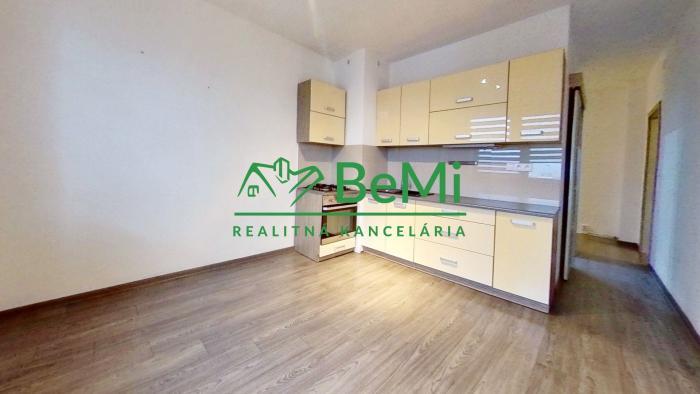 Reality 2 i byt na PREDAJ Prešov Sídlisko III. Komplet zrekonštruovaný  (038-112-GABa)