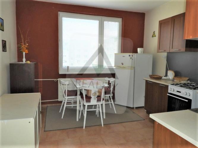 Reality 1-izbový byt byt, Nové Zámky, Juh, Šoltésovej (čísla nepárne 17 - 37)