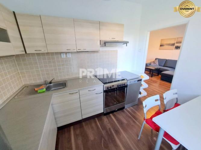 Reality Štýlový 2i byt, rekonštrukcia, klíma, balkón, Nezábudková ulica