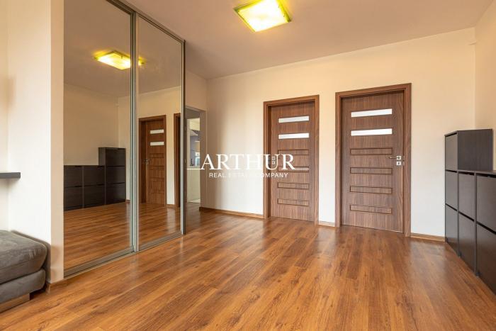 Reality ARTHUR - Na predaj 4-izbový byt v Petržalke, 7/8 poschodie, ihneď voľný