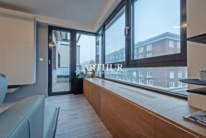 Reality ARTHUR - Nadčasový 3-izbový byt v rezidencii Blumental,  plne zariadený, ihneď voľný