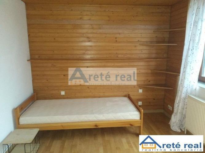Reality Areté real - Vám ponúka 1 - izb.byt v rodinnom dome v Pezinku