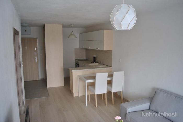 Reality Prenájom moderný 2 izbový byt v novostavbe, ulica Muchovo námestie, Petržalka, garáž