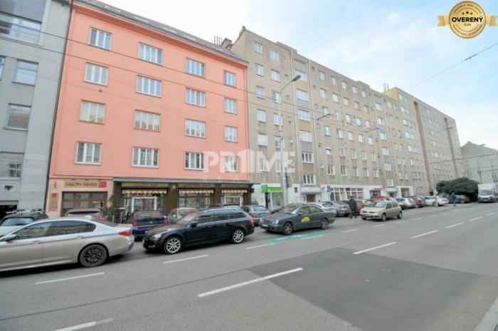 Reality Pekný 2i byt, rekonštrukcia, centrum, Dunajská ulica, Staré Mesto