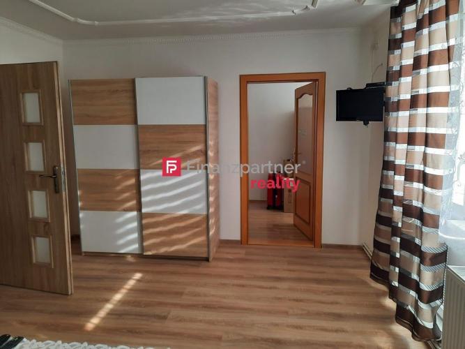 Reality 3D VIDEO-  EXKLUZÍVNE 3 izbový byt po rekonštrukcii s garážou v obci Bracovce (F001-113-MADa)