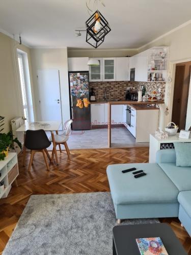 Reality Pekný 3 izbový byt vo vyhľadávanej lokalite s výhľadom kopec Staré Grunty a mesto