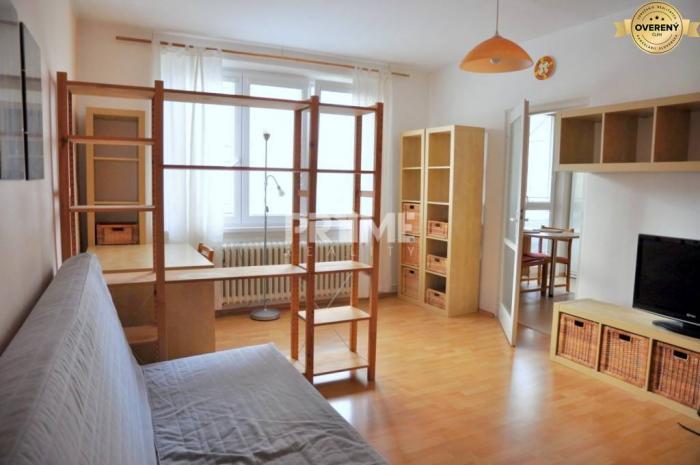 Reality Pekný 2i byt, rekonštrukcia, balkón, loggia, Sibírska ulica