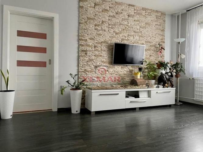 Reality Útulný 3-izb. byt s lodžiou na ul. S.H.Vajanského ( Nové Zámky - Juh )