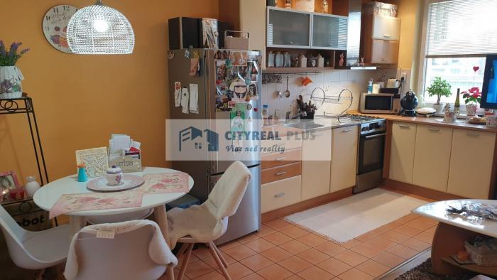 Reality Predám 3 izbový byt blízko COOP TERNO Supermarketu Nové Zámky