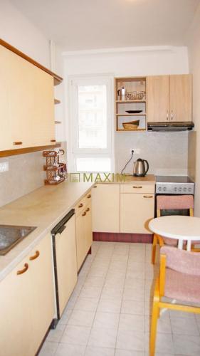 Reality Veľký 2- izbový byt na Medzilaboreckej v Ružinove