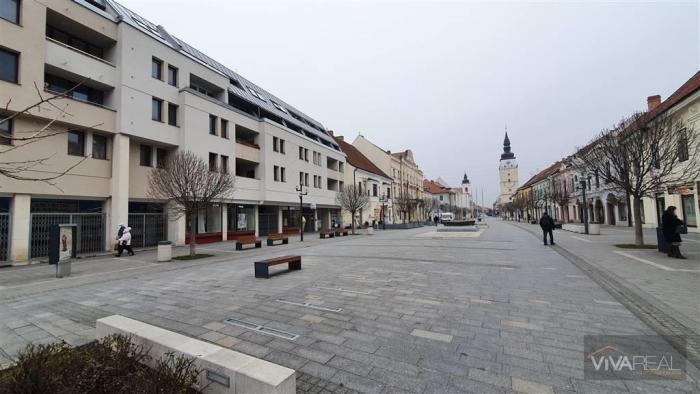 Reality VIVAREAL* PRENÁJOM, 2 izb. byt, po rekonštrukcii, 3x loggia, zariadený, centrum mesta, ul. Hlavn