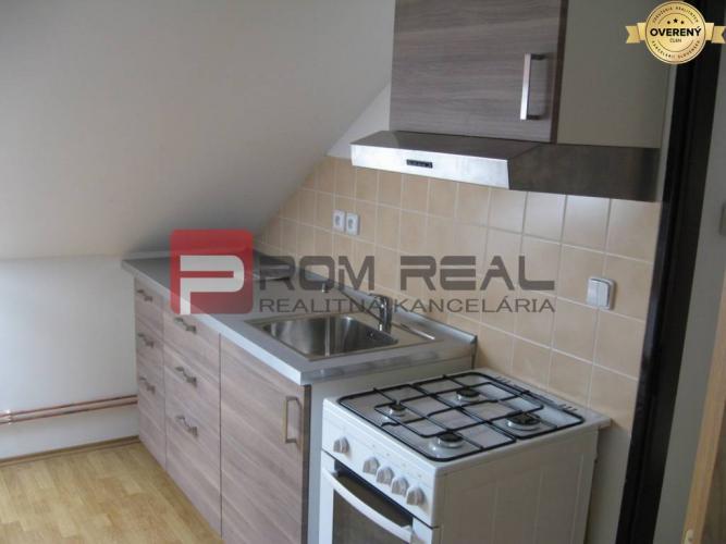 Reality Na PRENÁJOM 3 izbový podkrovný  byt v Pezinku