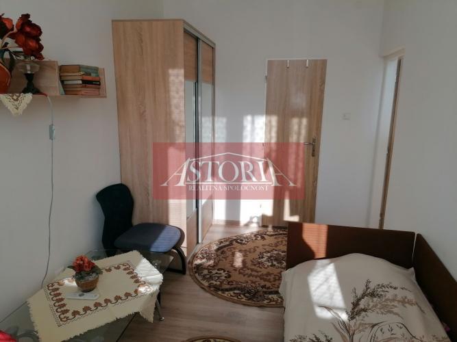 Reality PRENÁJOM - 1 lôžkový apartmánový byt - SUČANY