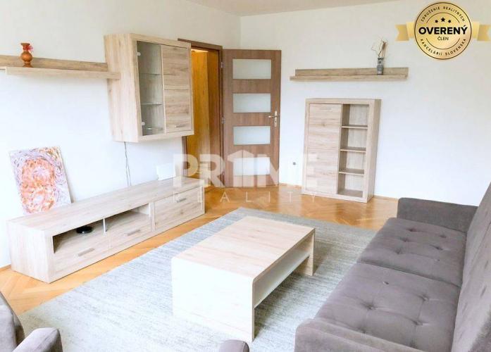 Reality Pekný 2i byt, kompletná rekonštrukcia, balkón, loggia, Sibírska ulica