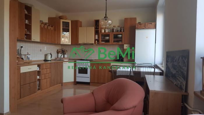Reality Na prenájom 3-izbový byt Banská Bystrica - Sídlisko (ID-462-213-ZUS)