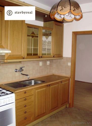 Reality 2iz.priestranný byt na prenájm vo Vrakuni – nezariadený – výborná cena!!