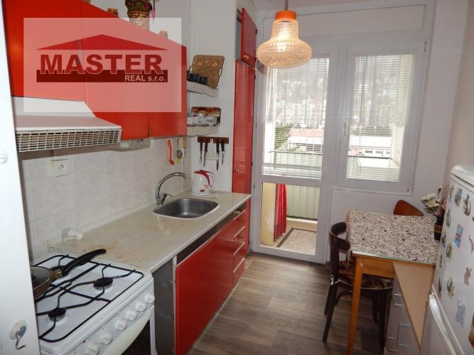 Reality Na Predaj 2-izbový byt s loggiou 49 m2, Kremnica, okres Žiar nad Hronom