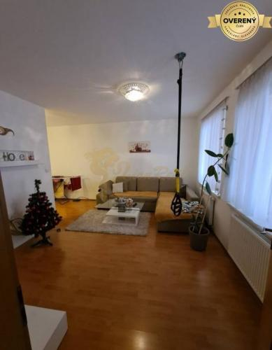 Reality 1,5 izb. byt, Vyšehradská, Petržalka, balkón, 4.p./7