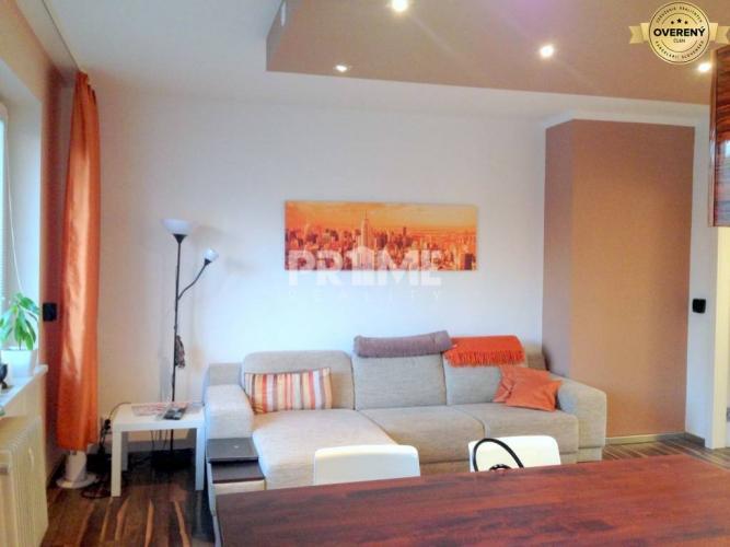 Reality Pekný 2i byt, rekonštrukcia, loggia, VIVO, Hálkova ulica, Nové Mesto