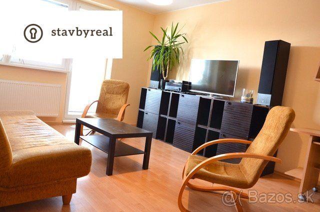 Reality 4iz.slnečný byt na prenájom v Trnávke – čiastočne zariadený, 2 x loggia , 1 x balkón.