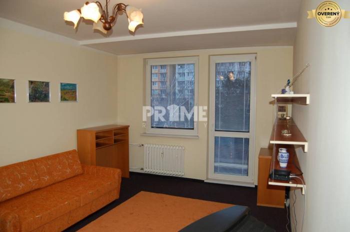 Reality Veľký 2i byt, balkón, zariadený, Nezábudková, Ružinov