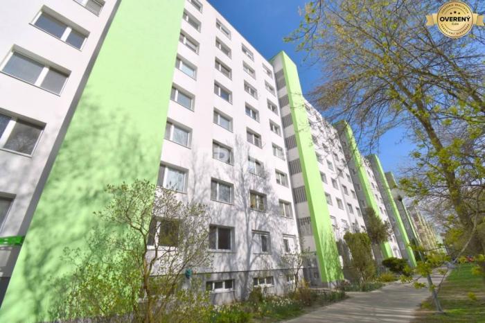 Reality Pekný 4i byt, Najkrajšia časť Petržalky, loggia, ulica  A.Gwerkovej
