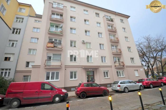 Reality Kompletná cena, 3i byt, pôvodný stav, parking, Bartoškova ulica