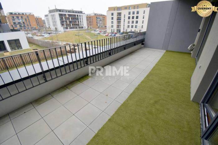 Reality Pekný 2i byt, NOVOSTAVBA, TERASA 20 m2, Fialová ul., SLNEČNICE