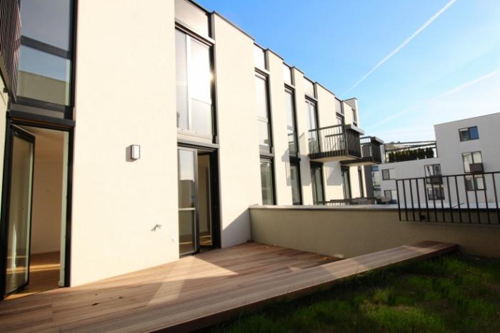 Reality 3-izb.byt s dvomi balkónmi, terasou a záhradou vo viladome na začiatku Koliby, SKOLAUDOVANÉ