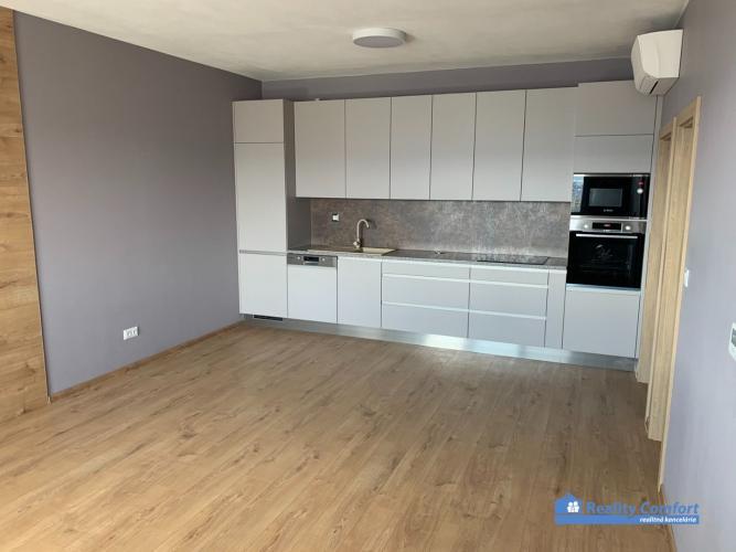 Reality NA PRENÁJOM - nový, slnečný 2 – izbový byt na sídlisku Juh v Trenčíne v novostavbe bytové
