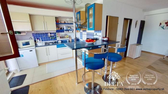 Reality REZERVOVANÉ - Priestranný 4-izbový byt s balkónom na predaj