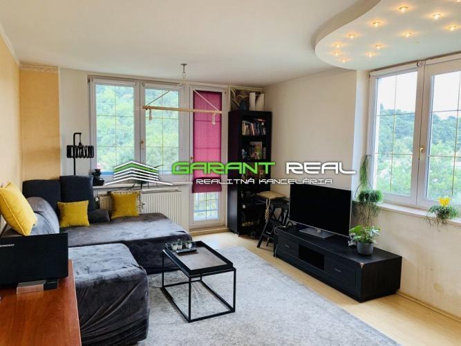 Reality GARANT REAL - predaj 2-izbový byt s loggiou, Prešov, Sídlisko II, Októbrová ulica
