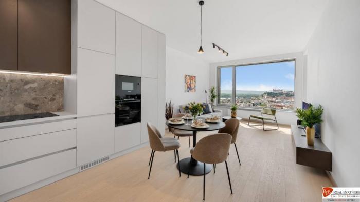 Reality Prenájom moderný 2 izbový byt v Sky Park s úžasným výhľadom
