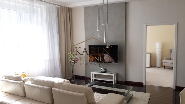 Reality Staré Mesto -  zariadený 2,5 izbový byt 80 m2 s upratovaním