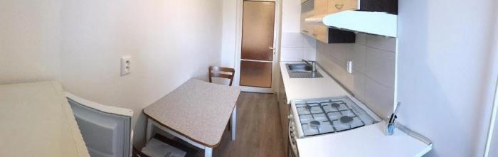 Reality COMFORT LIVING ponúka - Zariadený veľký 1 izbový byt s balkónom s výhľadom na zeleň