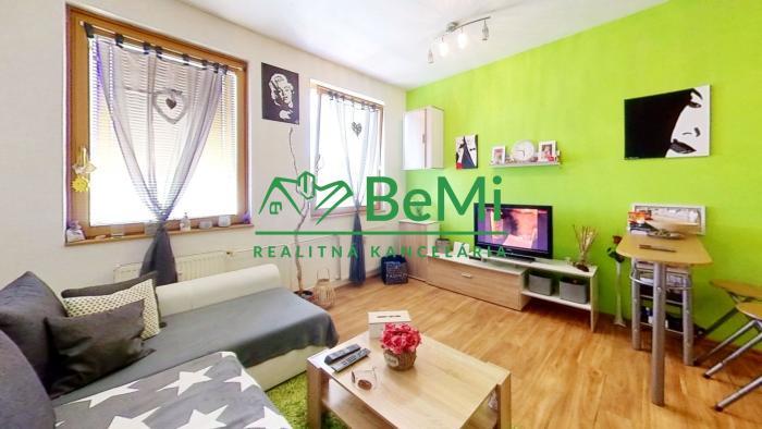 Reality REZERVOVANE - Na predaj kompletne zrekonštruovaný 3 izbový byt - Levice (005-113-ALHA)