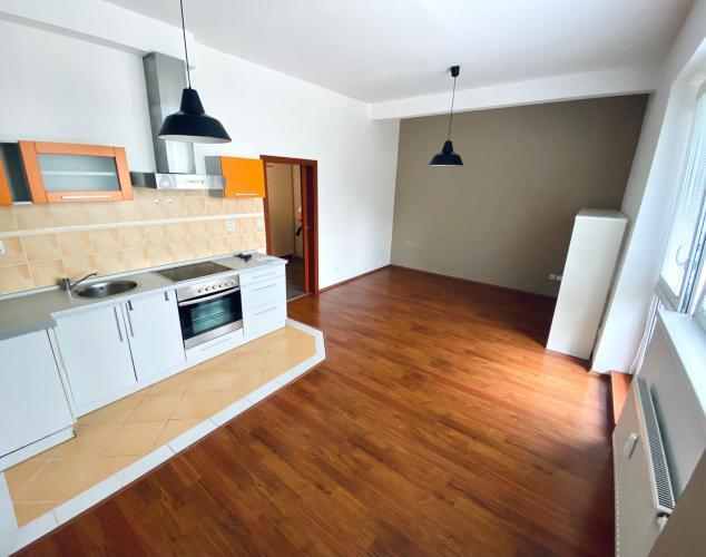 Reality 2 - izbový byt na Veľkomoravskej ulici