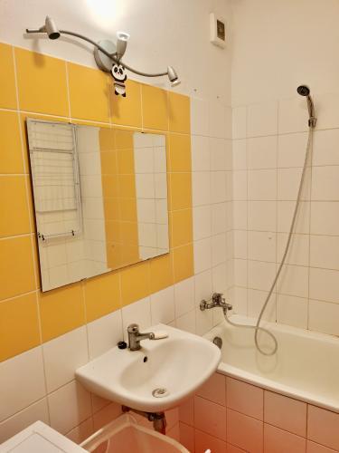 Reality COMFORT LIVING ponúka - Zariadený 1 izbový byt v novostavbe, vlastný plynový kotol