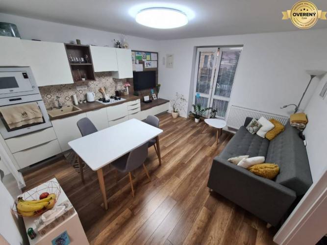 Reality PREDAJ - 3 izbový byt po kompletnej rekonštrukcii - Nitra, Spojovacia