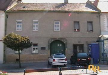 Reality Ponúkame na predaj 1/2 bytového domu vo Svätom Jure pri Bratislave