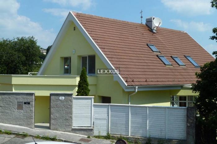 Reality LEXXUS-PRENÁJOM, 3-podlažná vila pri Slavíne, vonkajší bazén, BA I