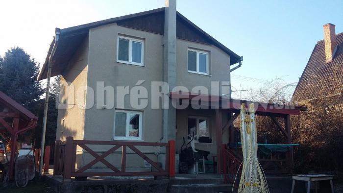 Reality Kvalitný ihneď obývateľný dom b3a88b13058