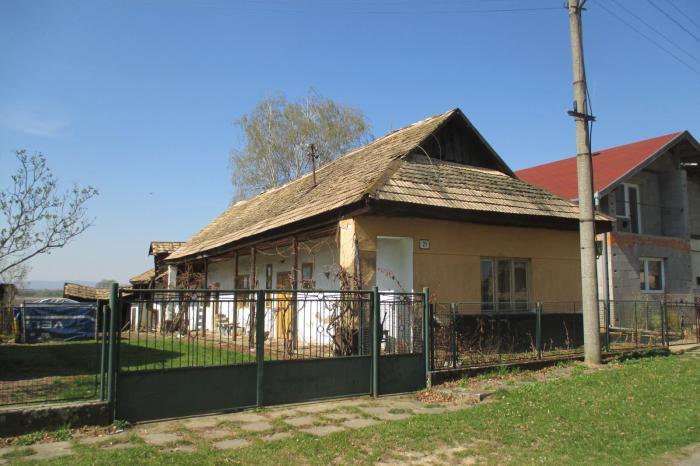 Reality Starší prízemný dom vo Veľkej Čalomiji