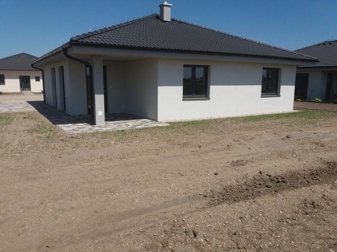 Reality Skolaudované!Krásne 4-izbové rodinné domy zhotovené na kľúč-Hviezdoslavov-RegioJet