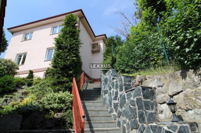 Reality LEXXUS-PREDAJ, 7i rodinný dom + 3i byt,  Holubyho, Staré mesto - BA I
