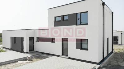 Reality AKCIA - 4 izbové rodinné domy v Rovinke s oplotením, terasou v cene!