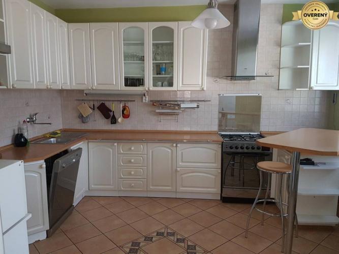 Reality PRENÁJOM -  5 izbový rodinný dom v radovej zástavbe - Nitra, Zobor