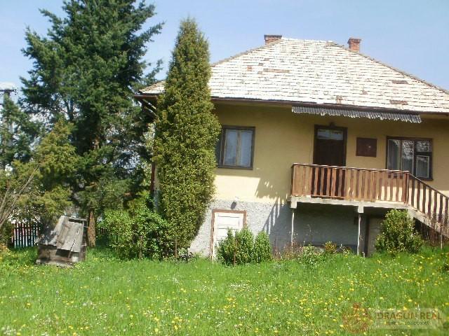 Reality starší dom s pozemkom 2187 m2 v centre obce - Široké